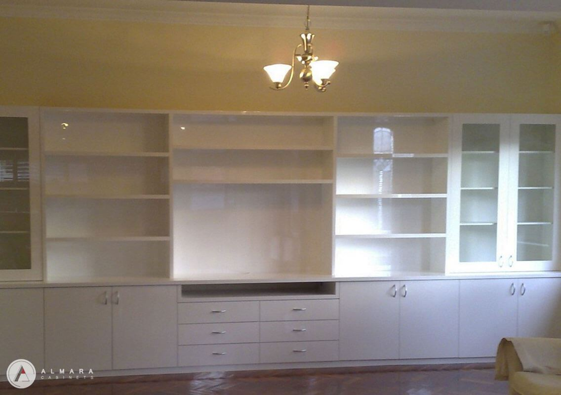 Family room 2 pac gloss finish unit